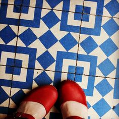 Blue geometric tile Handmade tiles can be colour coordinated and customized re. shape, texture, pattern, etc. by ceramic design studios Geometric Tiles, Geometric Patterns, Doors And Floors, Two Color Quilts, Black And White Tiles, Vintage Tile, Blue Tiles, Handmade Tiles, Style Tile