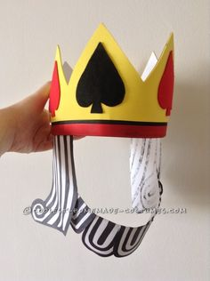 A Royal Pair: King of Spades and the Black Maria Couple Costume Homemade Costumes, Cool Costumes, Costume Ideas, Costume Patterns, King Costume, Costume Hats, Most Creative Halloween Costumes, King Of Spades, Felt Kids