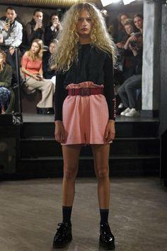 Ganni Copenhagen Fall 2016 Fashion Show 2016 Fashion Trends, Fall Fashion 2016, Runway Fashion, Boho Fashion, High Fashion, Fashion Show, Fashion Outfits, 2016 Trends, Womens Fashion