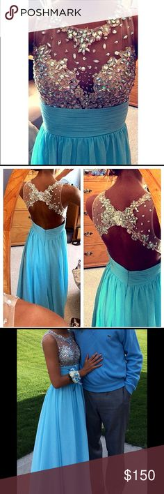 Prom/Formal Dress-Light Blue Size 0/2 Light Blue Prom/Formal Dress. Built in bra and recently dry-cleaned. *Only worn once* Dresses Prom