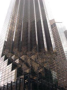 NYC. TRUMP TOWER at 5th. Ave. In Wintertime // Le blog INSOLITE de NELLOU