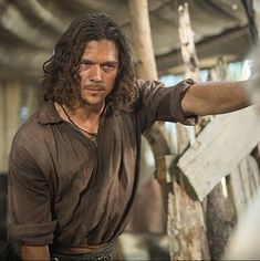 When Luke Arnold was the hottest John Silver and you wanted him to plunder your booty. | 21 Times Aussie Men Made You So Damn Thirsty In 2015