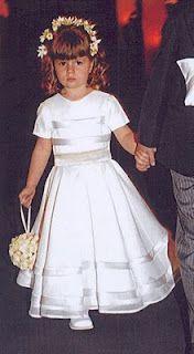 Este é o modelo do vestido das minhas daminhas. Só mudamos a cor para lilás! Loved!