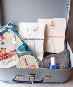 baby shower gift ideas.... Like the little suitcase