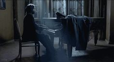 The pianist.  (gif by Crig.)