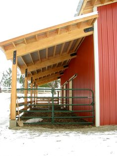 overhang, sliding paddock door for the show calves Horse Shelter, Horse Stables, Horse Farms, Horse Tack Rooms, Goat Barn, Farm Barn, Small Horse Barns, Cattle Barn, Barn Stalls