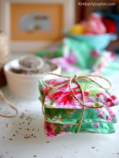 DIY Sewing Gift Ideas for Adults and Kids, Teens, Women, Men and Baby - Lavender Sachets - Cute and Easy DIY Sewing Projects Make Awesome Presents for Mom, Dad, Husband, Boyfriend, Children http://diyjoy.com/diy-sewing-gift-ideas