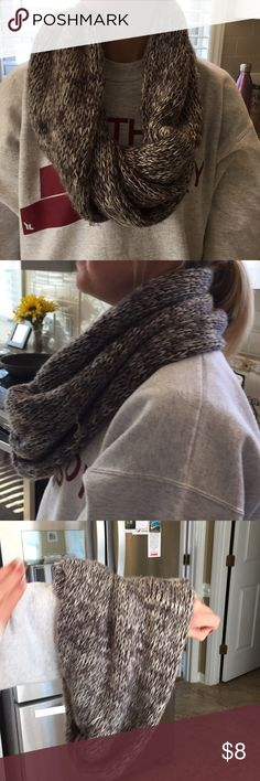 Super comfortable, infinity scarf! Very warm! One size fits all! Infinity scarf American Eagle Outfitters Accessories Scarves & Wraps