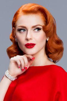 Vintage redhead girl Greta Gardner wearing diamonds photo by Oblak Redhead Hairstyles, 40s Hairstyles, Bandana Hairstyles, Vintage Hairstyles, Straight Hairstyles, Redhead Bride, Redhead Girl, Short Red Hair, Short Hair Styles
