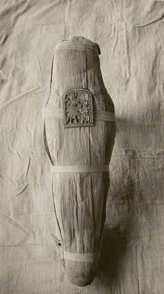 Mummy of Prince Amenemhat before Unwrapping, February 1919 Ambrose Lansing (American, The Egyptian Expedition of The Metropolitan Museum of Art Ancient Egyptian Art, Ancient Ruins, Ancient Artifacts, Ancient History, Art History, Egyptian Mythology, Egyptian Goddess, Ancient Beauty, European History