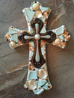 how to make a mosaic cross with grout