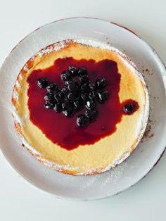 Αμερικανικό τσίζκεϊκ φούρνου Cake Recipes, Dessert Recipes, Desserts, Cheesecake Bars, Cream Pie, Cheesecakes, Breakfast Recipes, Sweet Treats, Food And Drink