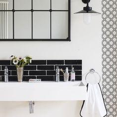 Graphic black and white bathroom   Urban hotel-style bathroom decorating ideas   decorating   PHOTO GALLERY   Housetohome.co.uk
