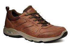 Chaussure pour homme de ECCO. ECCO Light lll est résistant & masculin avec ses couleurs café & vert.