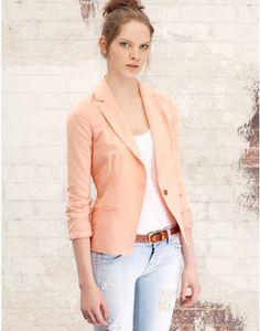 Blazers a la ultima moda en el catalogo Stradivarius primavera verano 2012