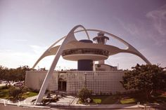 Encounter, Los Angeles | The Johnsons' Mid-Century Time Travel Guide #midcenturymodern #losangeles #encounter