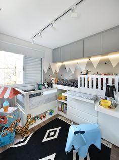 Quarto moderninho decorado com produtos @mimootoysndolls e @amomooui :) Projeto: @uebaa_design #quartodecriança #quartodebebê #quartoindantil #decorkids  #decoraçãomoderninha