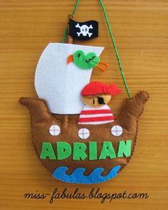 Barco pirata nombre habitacion niño bebe personalizado - Pirate ship boy or baby name for the bedroom