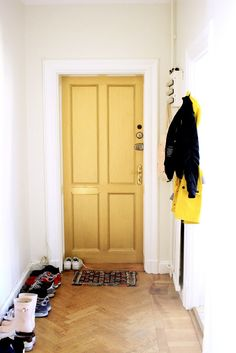 Inspiration! Golden door at Sandra Beijers place!