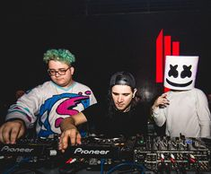 The OWSLA label boss brought along his proteges Marshmello and Slushii for one of the most epic back to back live DJ sets ever.