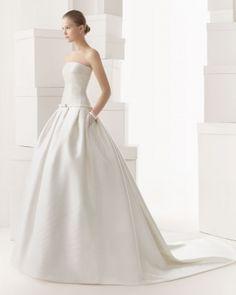 Straplez prenses gelinlik modeli, Rosa Clara