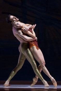 "Jozef Varga and Anu Viheriäranta in Christopher Wheeldon's ""Duet""."