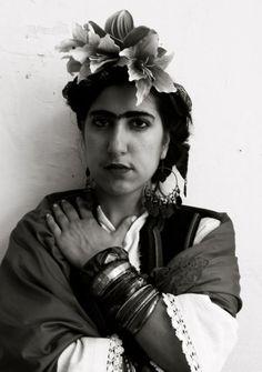 Imitando a Frida.