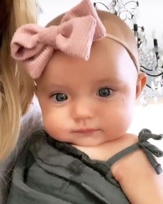 Cute Baby Girl, Adorable Babies, Sav And Cole, Taytum And Oakley, Girls Night Out Outfits, Cute Baby Wallpaper, Baby Blog, Twin Girls, Girls Dpz