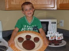easy paw cake and games for Wild Kratt Birthday Party.