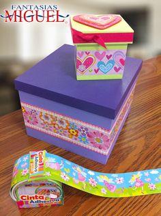 Nueva Cinta Adhesiva, de Venta en Fantasías Miguel / Cajas de madera decoradas con Cinta Adhesiva / Morado / Verde Decoupage Tutorial, Decoupage Box, Cute Box, Pretty Box, Creative Storage, Creative Gifts, Rag Rug Diy, Diy Box, Pink Candy