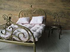 Купить или заказать Кованая кукольная кровать в интернет-магазине на Ярмарке Мастеров. Кроватка кованая для кукол,ручной работы.Украсит интерьер детской комнаты,а уж куколки почувствуют себя настоящими принцессами.