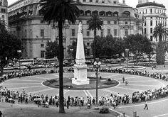 Asociación Madres de Plaza de Mayo. Statue Of Liberty, Dolores Park, Sidewalk, Mexico, Travel, Inspiration, Llamas, Blog, Cultura General