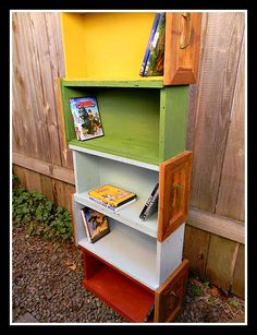 DIY home decor - shelves made from drawers! Nice two DIY tutorials and 32 ideas for how to decorate your home with old drawers from old furniture, which you hight wanted to get rid of Old Furniture, Furniture Styles, Repurposed Furniture, Furniture Projects, Furniture Makeover, Painted Furniture, Studio Furniture, Modern Furniture, Steel Furniture