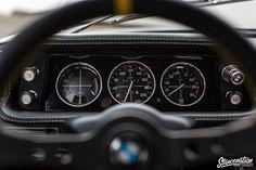 BMW 2002tii instrument dash