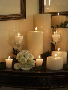 Candle arrangement per calaixera amb dos o trs copes de vidre i branques