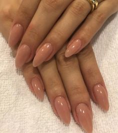 Discover the 10 most popular nail polish colors of all time! - My Nails Cute Gel Nails, Pretty Nails, Nude Nails, Acrylic Nails, Hair And Nails, My Nails, Long Nails, Nail Art, Dream Nails