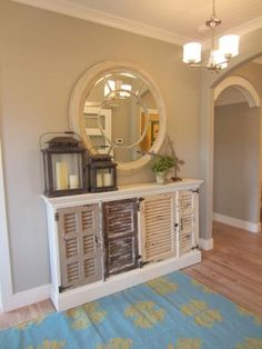 Nice foyer--simple yet pretty
