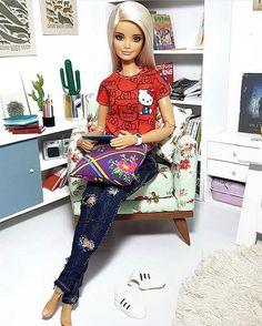 Barbie Model, Barbie Doll House, Barbie Life, Barbie World, Barbie And Ken, Diy Barbie Clothes, Doll Clothes, Barbie Stuff, Fashion Royalty Dolls
