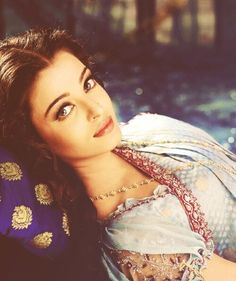 Find images and videos about love, bollywood and aishwarya rai on We Heart It - the app to get lost in what you love. Aishwarya Rai Photo, Actress Aishwarya Rai, Aishwarya Rai Bachchan, Bollywood Actress, Bollywood Makeup, Mangalore, Bollywood Stars, Most Beautiful Women, Beautiful People
