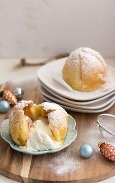 appelbollen met amandelspijs Dutch Recipes, Apple Recipes, Gourmet Desserts, Dessert Recipes, Typical Dutch Food, Bakery Cakes, Paleo, Baking Supplies, High Tea