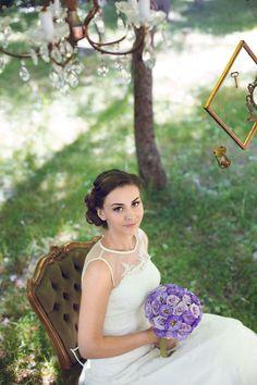 vintage and romantic bride