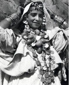 Femme de L'atlas 1950 !   Maroc .