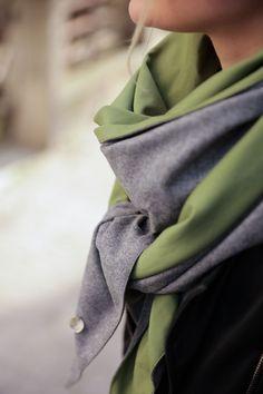 Schal aus feinstem Loden aus 100% Merinowolle. Das Schultertuch besticht durch ein angenehmes Tragegefühl. Das Dreieckstuch ist personalisierbar durch ein individuelles Monogramm und somit ein perfektes Geschenk. Passend zum modernen Outfit und zu Dirndl und Tracht.----- Shawl made from finest loden from 100% merinowool.  Scarf, shoulder scarf. Suitable to modern outfits and traditional clothes like dirndl. Perfect personalised Gift. #scarf #austriandesign #merinowool Winter Outfits, Casual Outfits, Moderne Outfits, Minimal, Gift Ideas, Fall, Fashion, Special Gift For Boyfriend, Moonlight