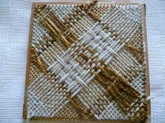 Cuadrado Pin Weaving, Weaving Tools, Weaving Projects, Tapestry Weaving, Loom Weaving, Weaving Designs, Weaving Patterns, Types Of Weaving, Loom Craft