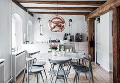 7 Kitchens We Would Love To Sip Our Morning Coffee In