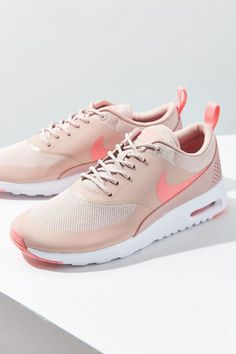 Nike Air Max Thea Sneakers ❤️