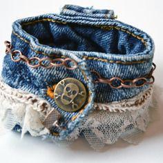 Bracelet branché en denim et dentelle - 100 % recyclage                                                                                                                                                                                 Plus