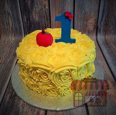Snow White smash cake