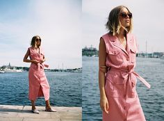 Photos by: Michaela Wissen  Love the pink color on this dress. And the dress itself. I've been using it a lot lately. These are the last photos from the analog photoshoot with Michaela. I really...