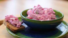 Foto: Mari Rollag Evensen / NRK Tuna, Potato Salad, Watermelon, Potatoes, Snacks, Fruit, Ethnic Recipes, Food, Google